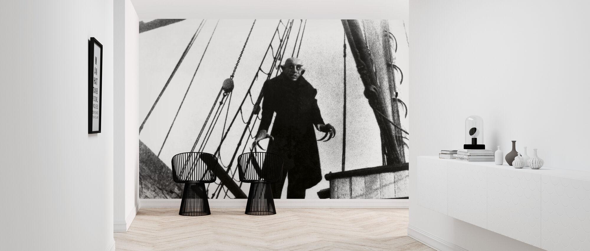 Max Schreck in Nosferatu the Vampire - Wallpaper - Hallway