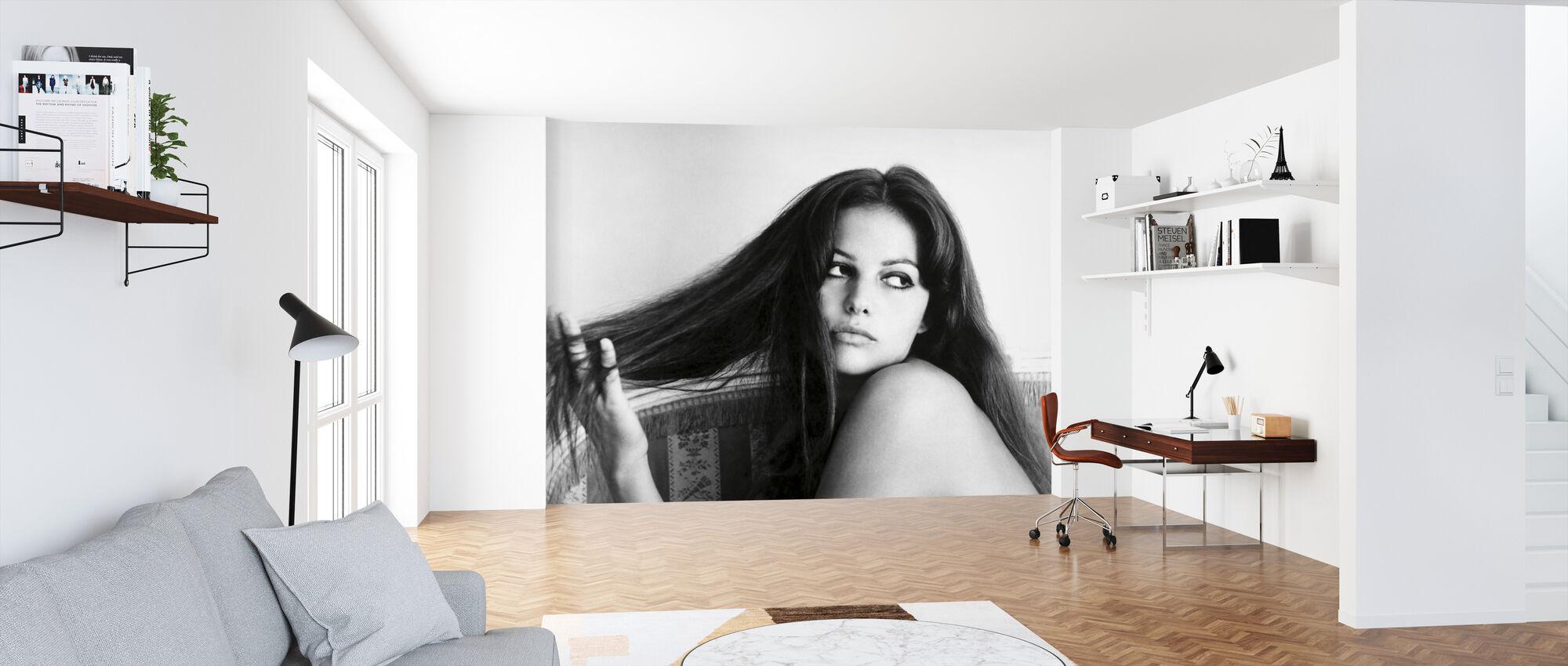 Claudia Cardinal - Wallpaper - Office