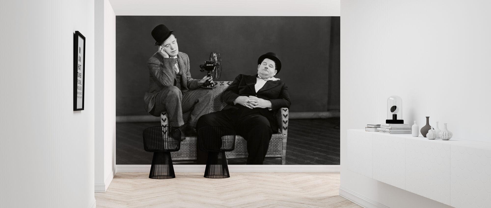 Oliver Hardy og Stan Laurel - Tapet - Entré