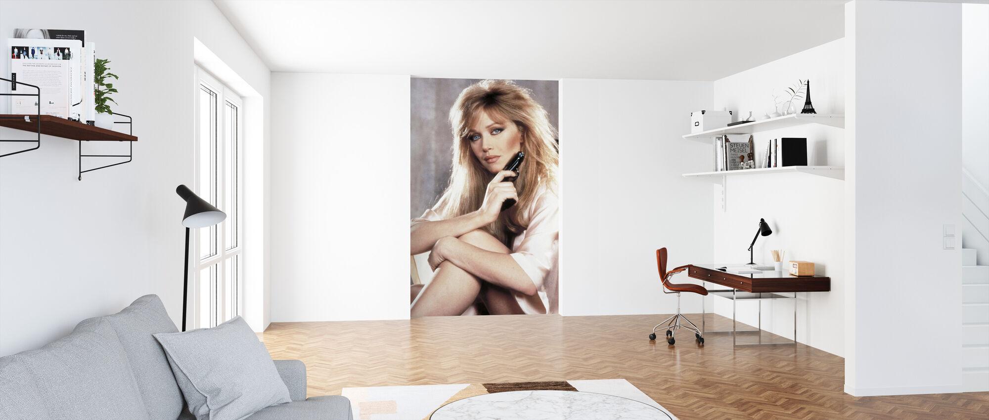 Tanya Roberts i 007 en visning til en Dræb - Tapet - Kontor