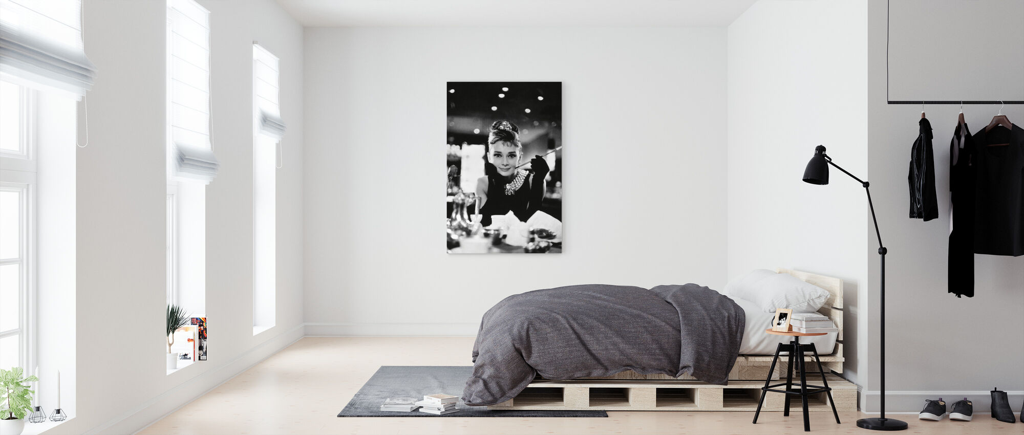 Audrey Hepburn in Breakfast at Tiffanys - Canvas print - Bedroom