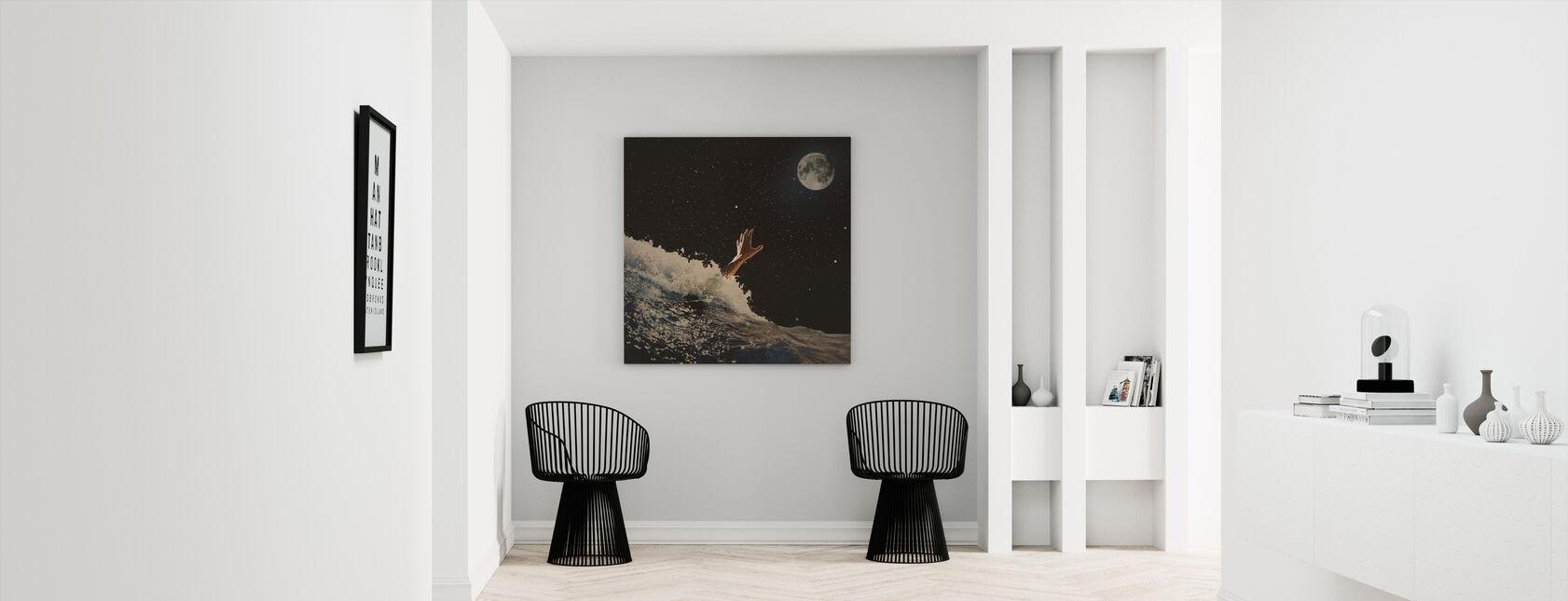 Wave Goodbye - Canvas print - Hallway