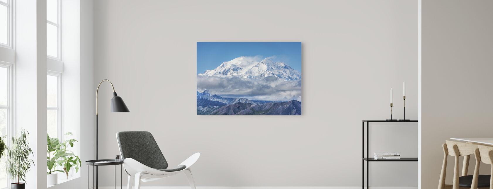 Lumihuippuiset vuoret