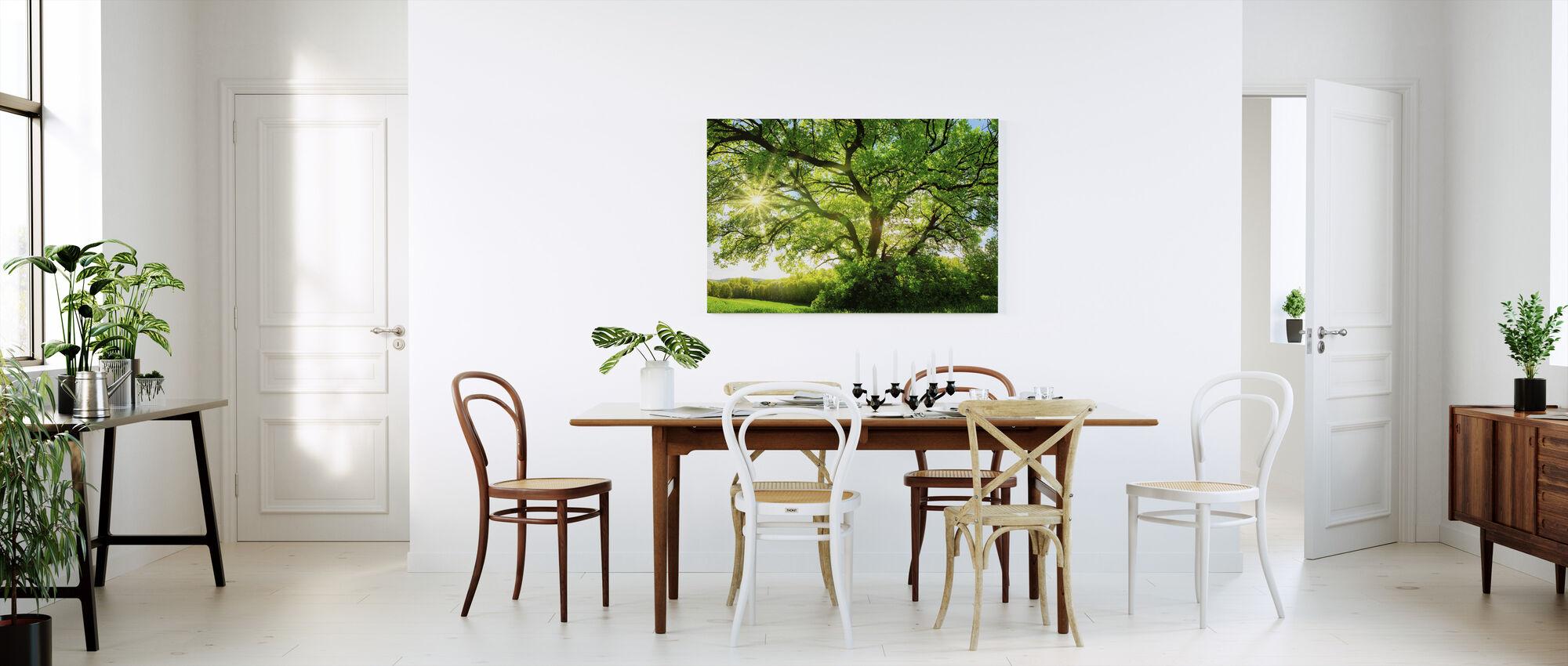 Majesteettinen tammi puu - Canvastaulu - Keittiö