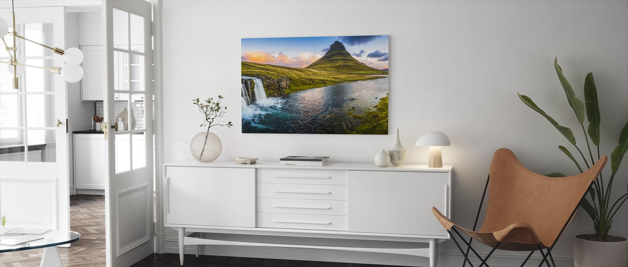 Idyllischer Bergwasserfall - Leinwandbild - Wohnzimmer