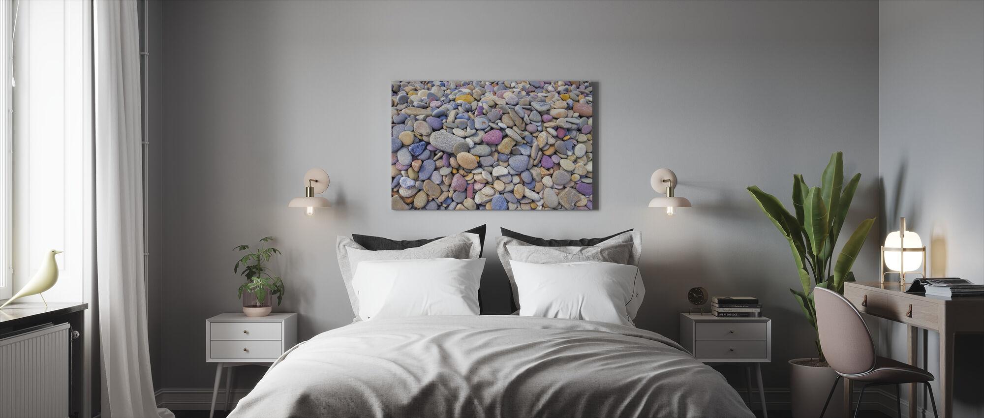 Värikkäät pikkukivet - Canvastaulu - Makuuhuone