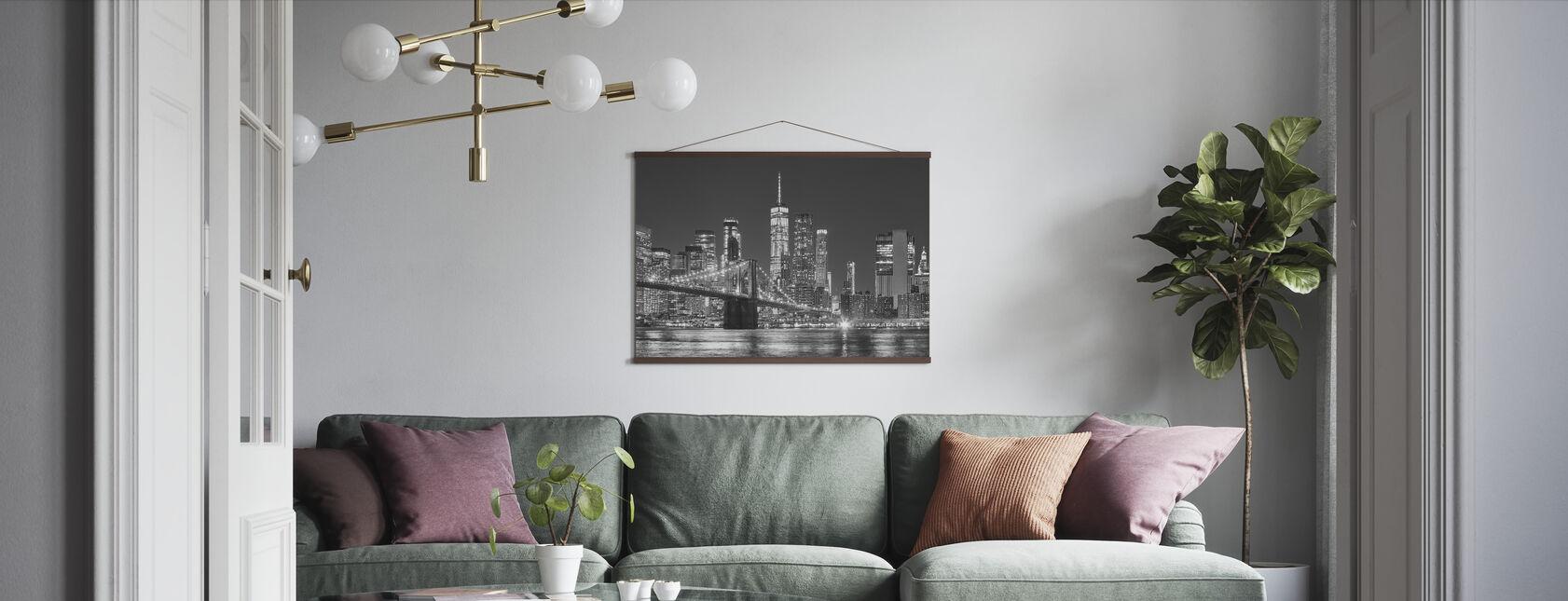 Manhattan Skyline bij nacht - Poster - Woonkamer