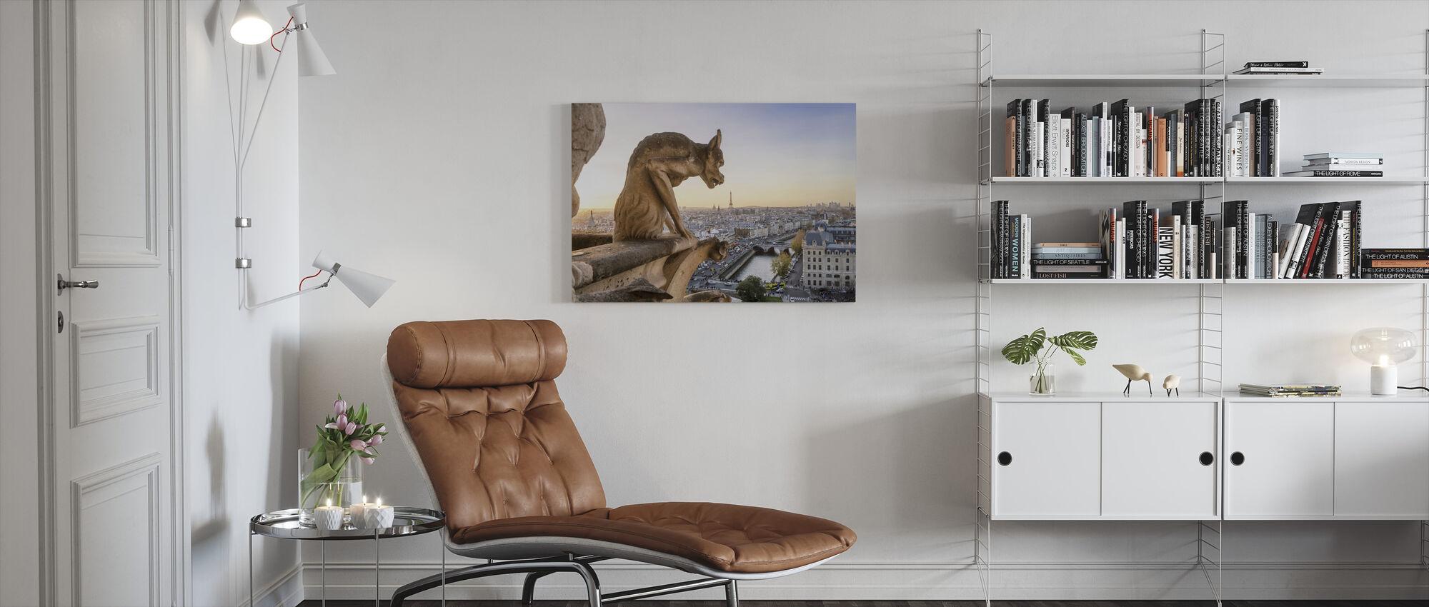 Waterspuwer en stad Parijs - Canvas print - Woonkamer