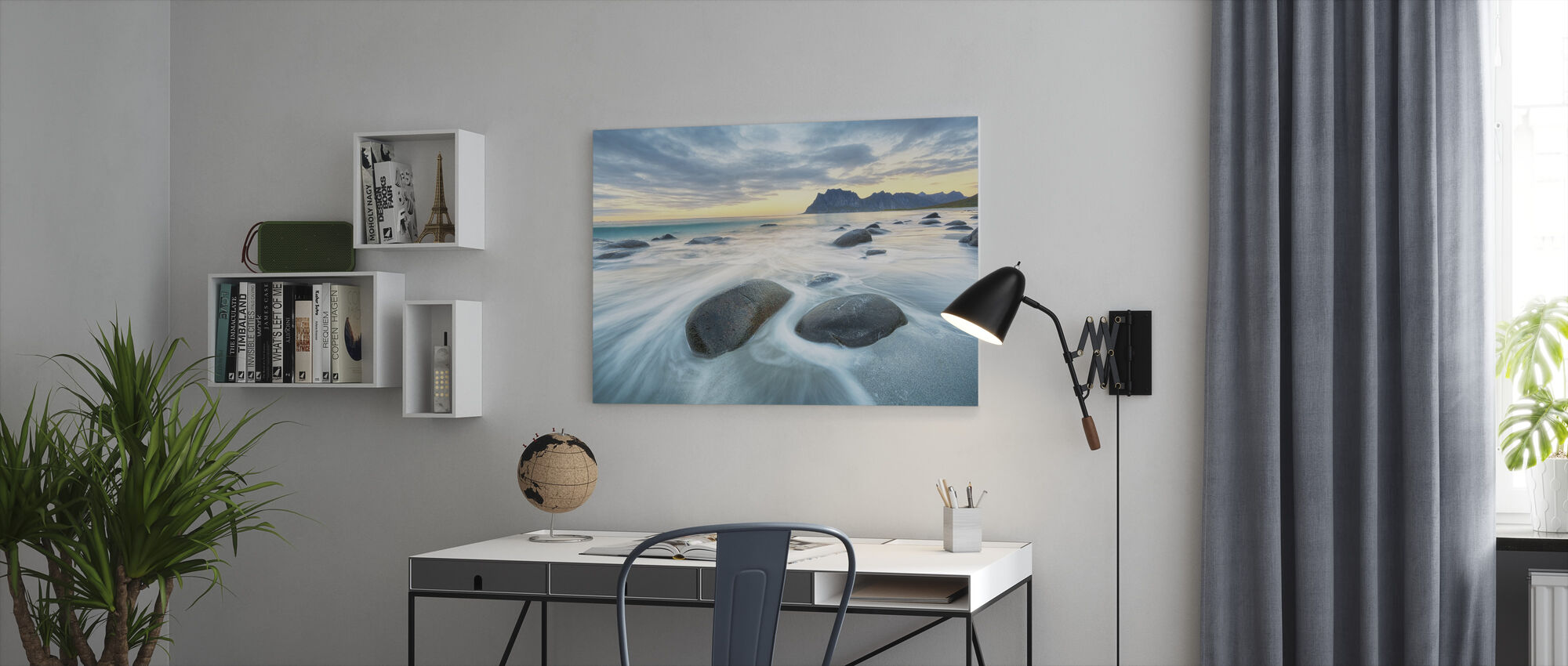 Utakleiv Beach - Canvas print - Office