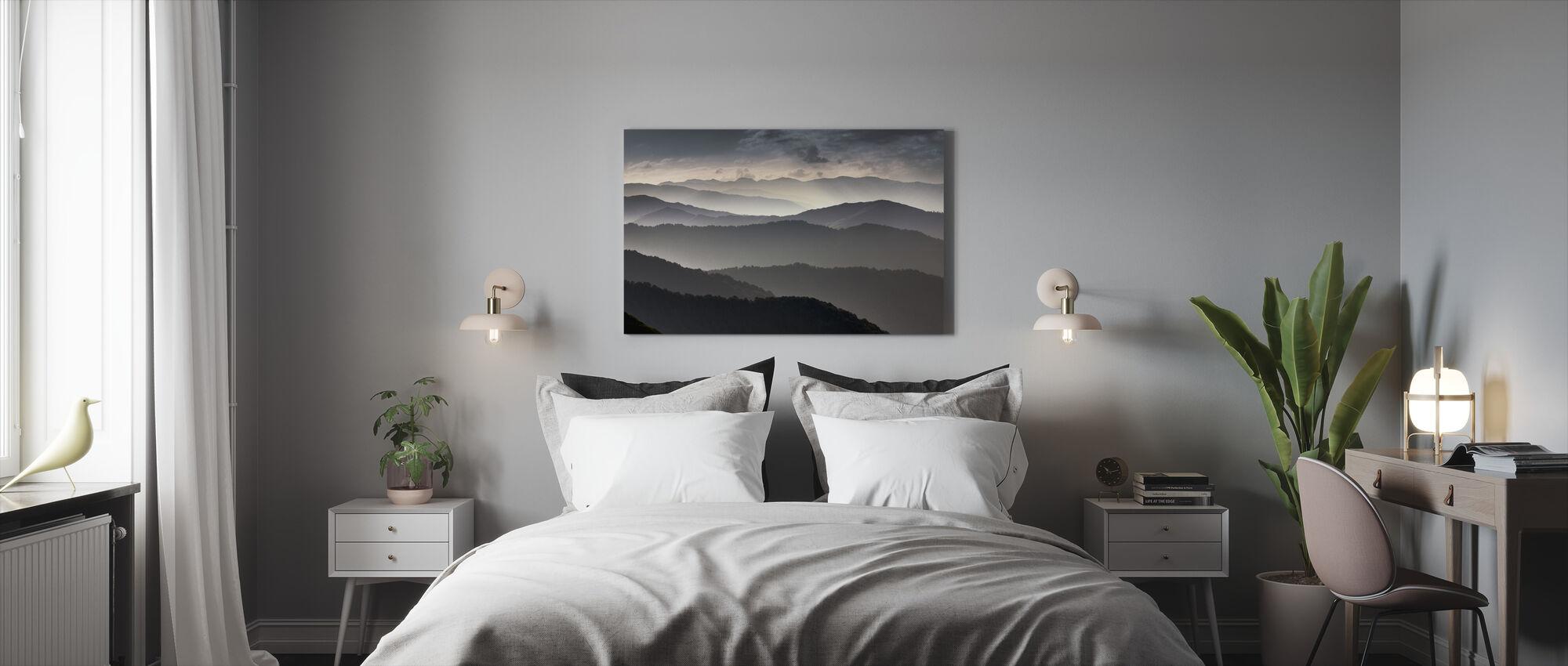 Berge in der Abenddämmerung - Leinwandbild - Schlafzimmer