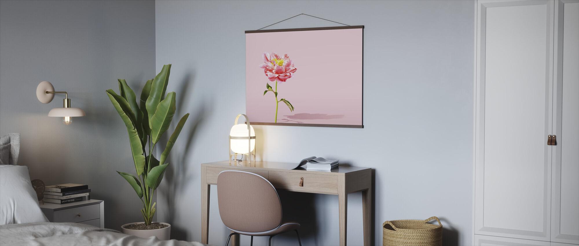 Pinkki pioni - Juliste - Toimisto