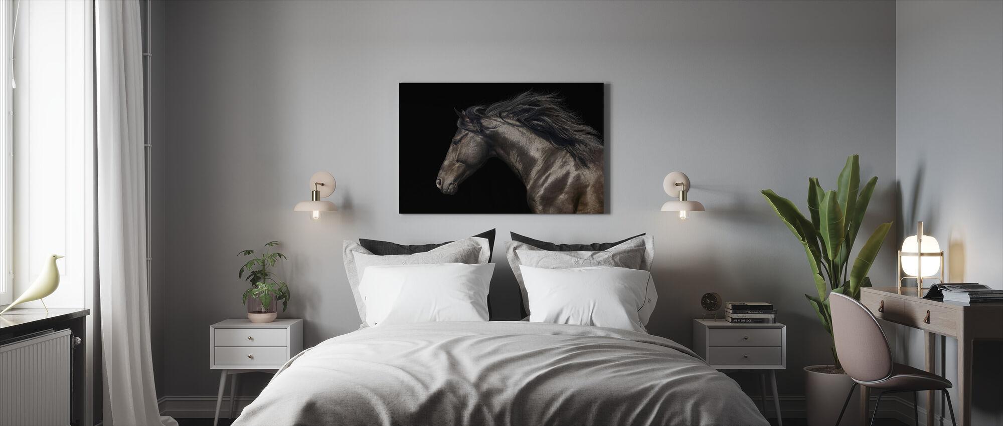 Musta hevonen - Canvastaulu - Makuuhuone