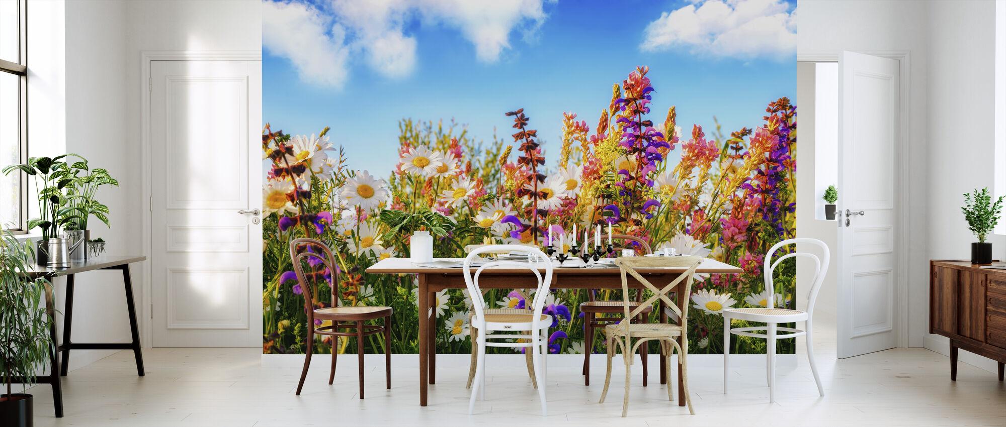 Bloemen op een weide - Behang - Keuken