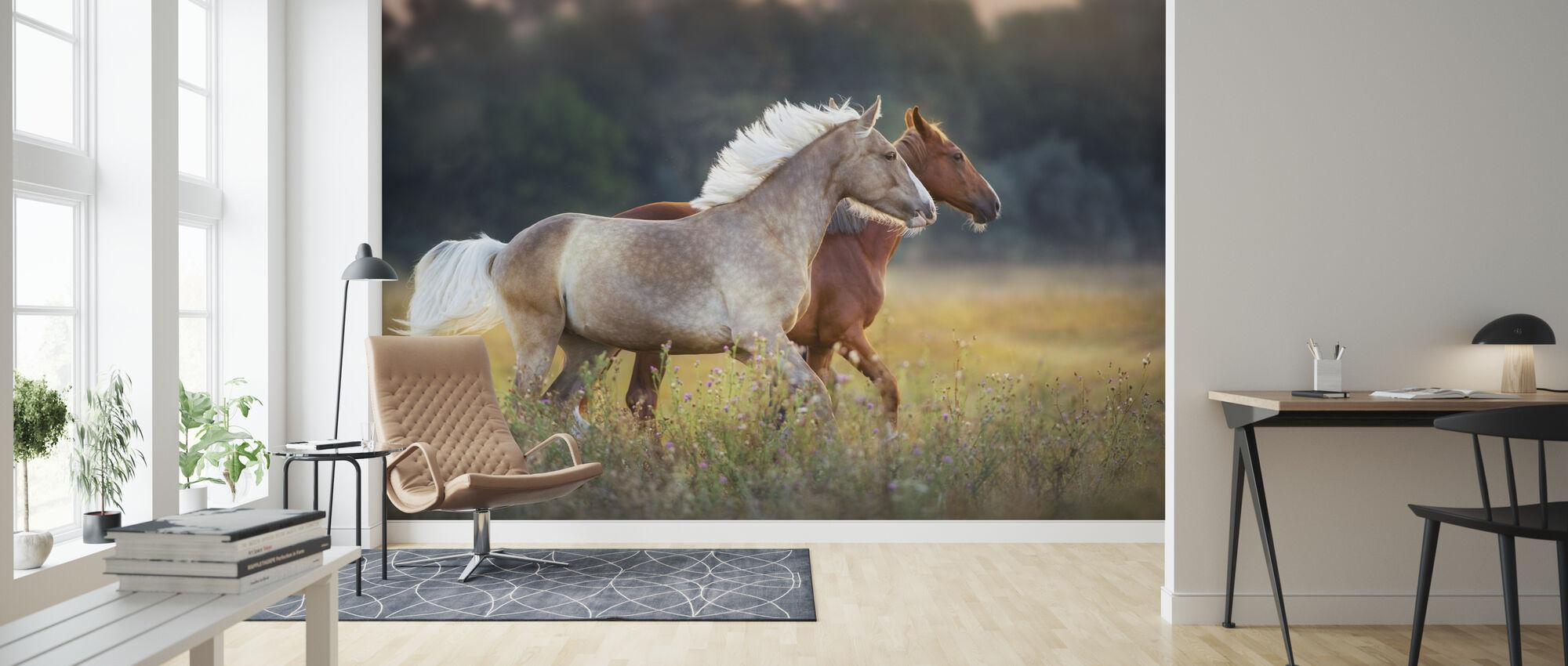Kerma ja punainen hevonen - Tapetti - Olohuone