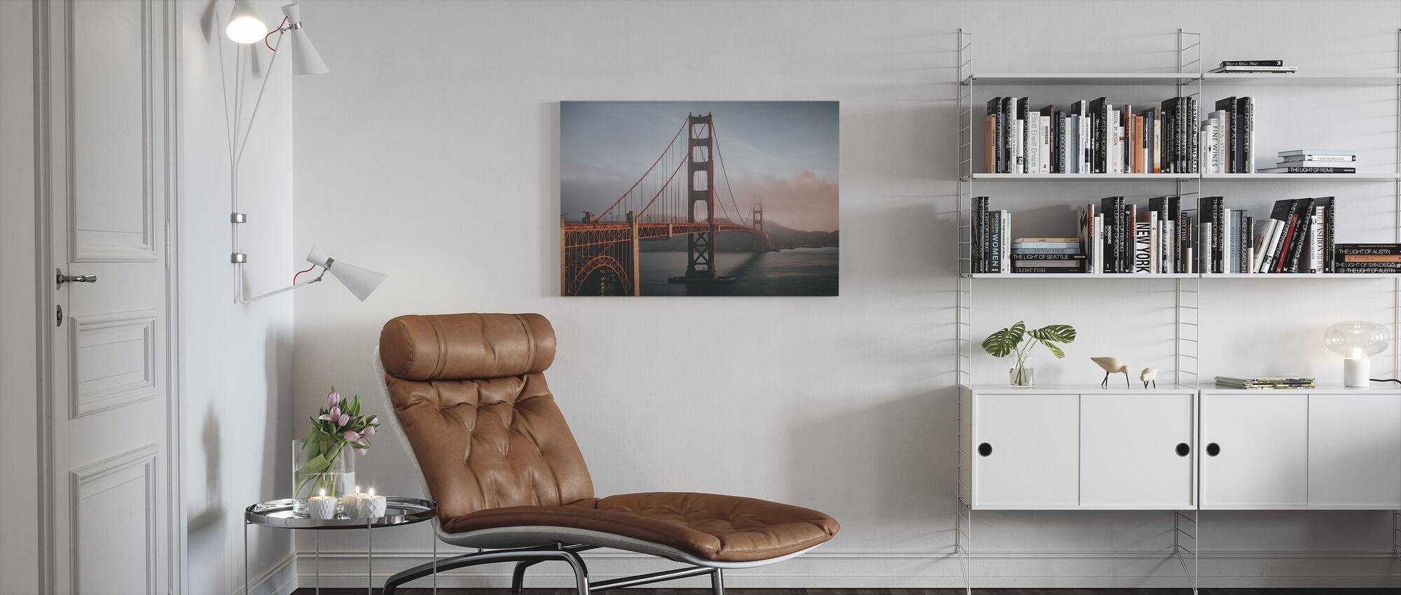 Golden Gate sumussa - Canvastaulu - Olohuone