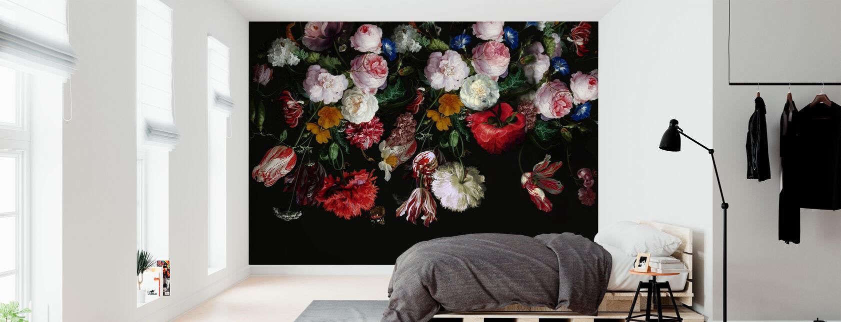 Kolorowe kwiaty na czarnym tle - Tapeta - Sypialnia