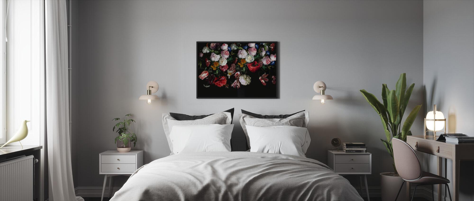 Fargerike blomster på svart bakgrunn - Innrammet bilde - Soverom