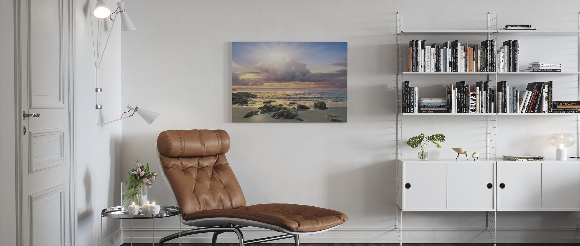 Soluppgång bakom moln - Canvastavla - Vardagsrum