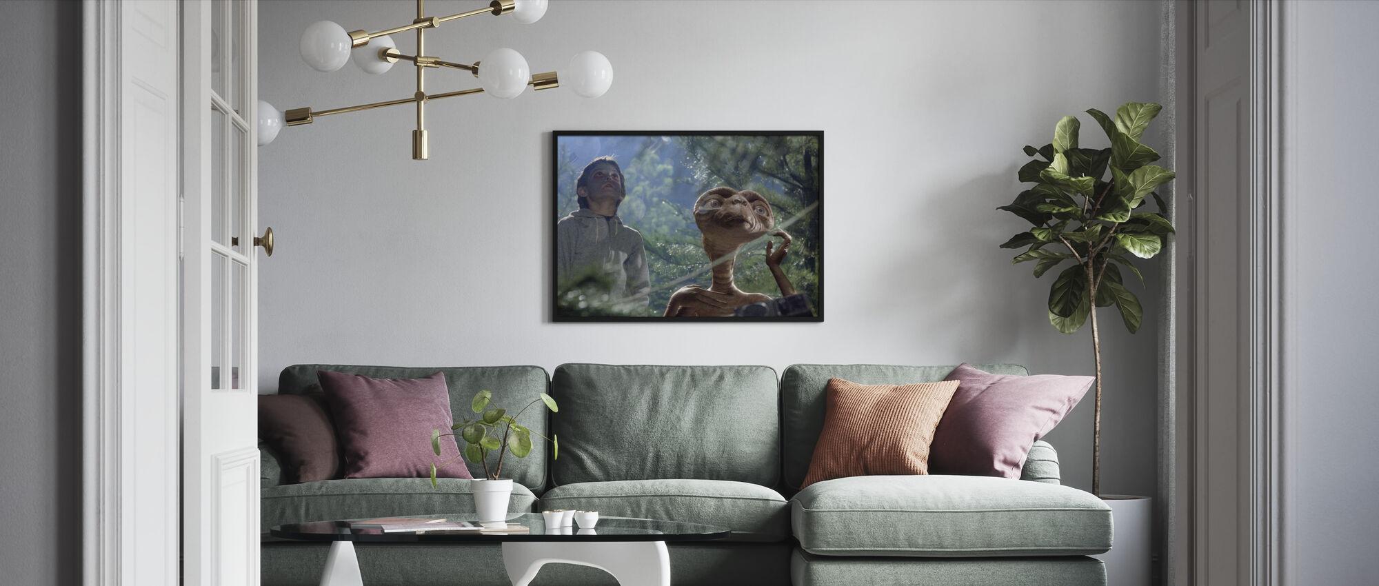 Extra Terrestrial - Henry Thomas - Framed print - Living Room