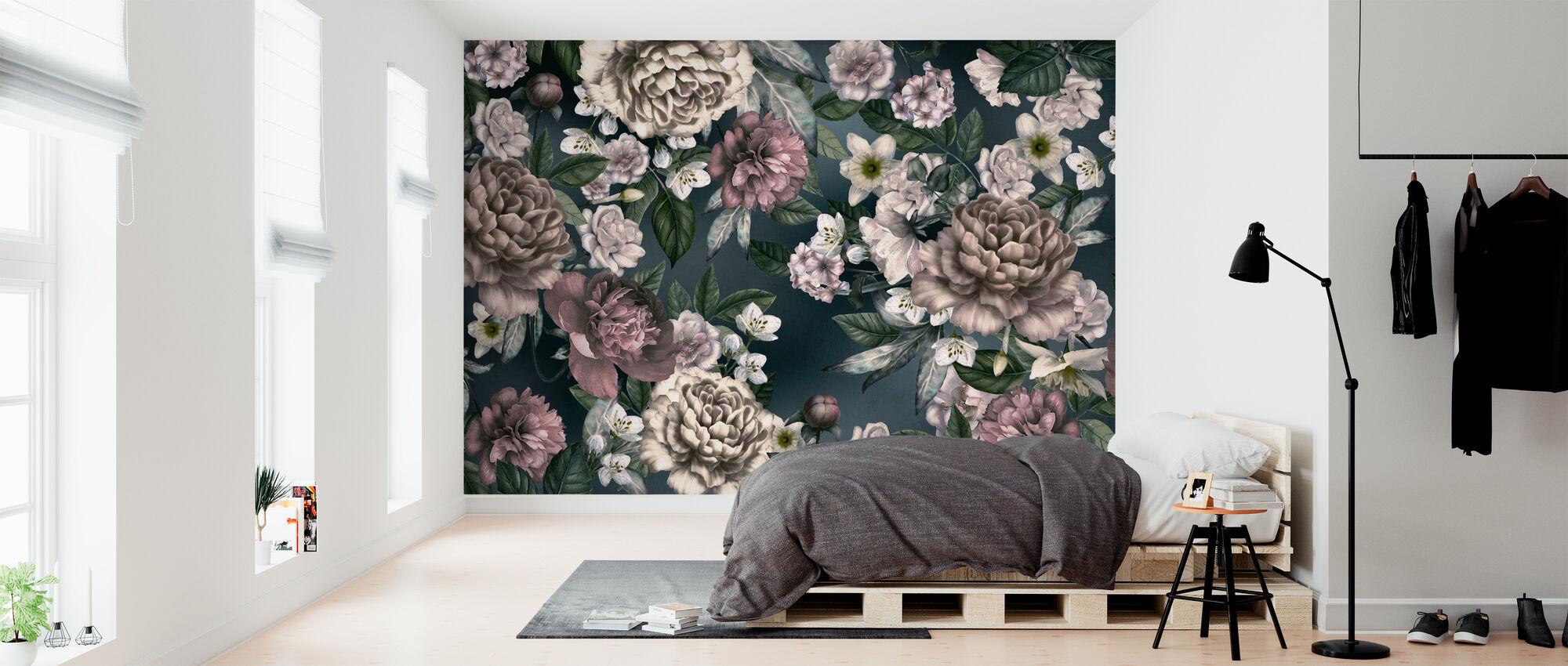 Folksy Flower Composition - Wallpaper - Bedroom