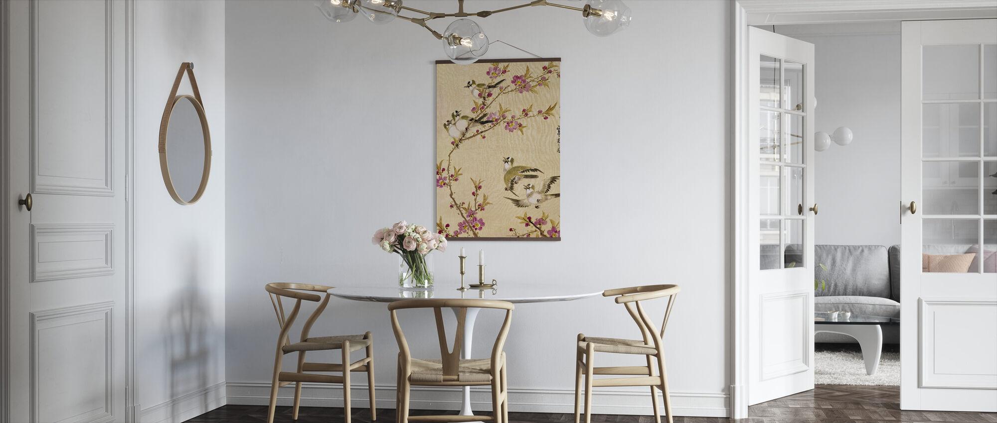 Fem fugle med lyserøde blomster - Plakat - Køkken