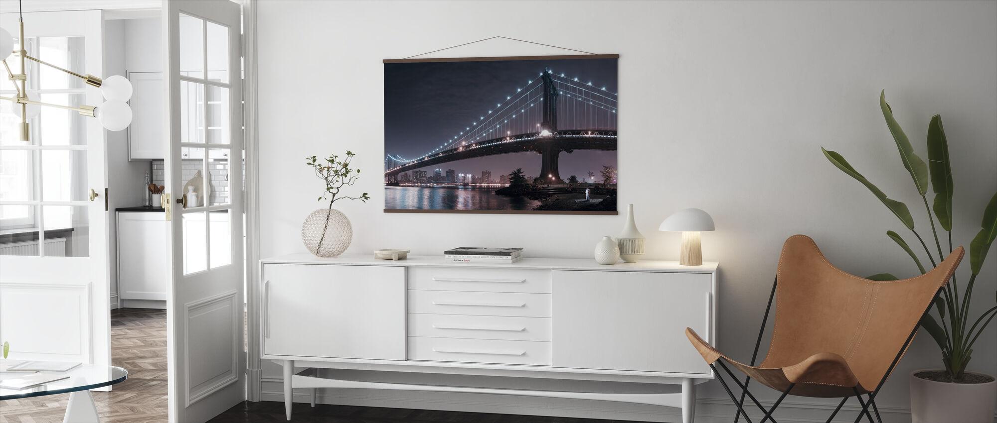 Lovers Under Manhattan Bridge - Poster - Living Room