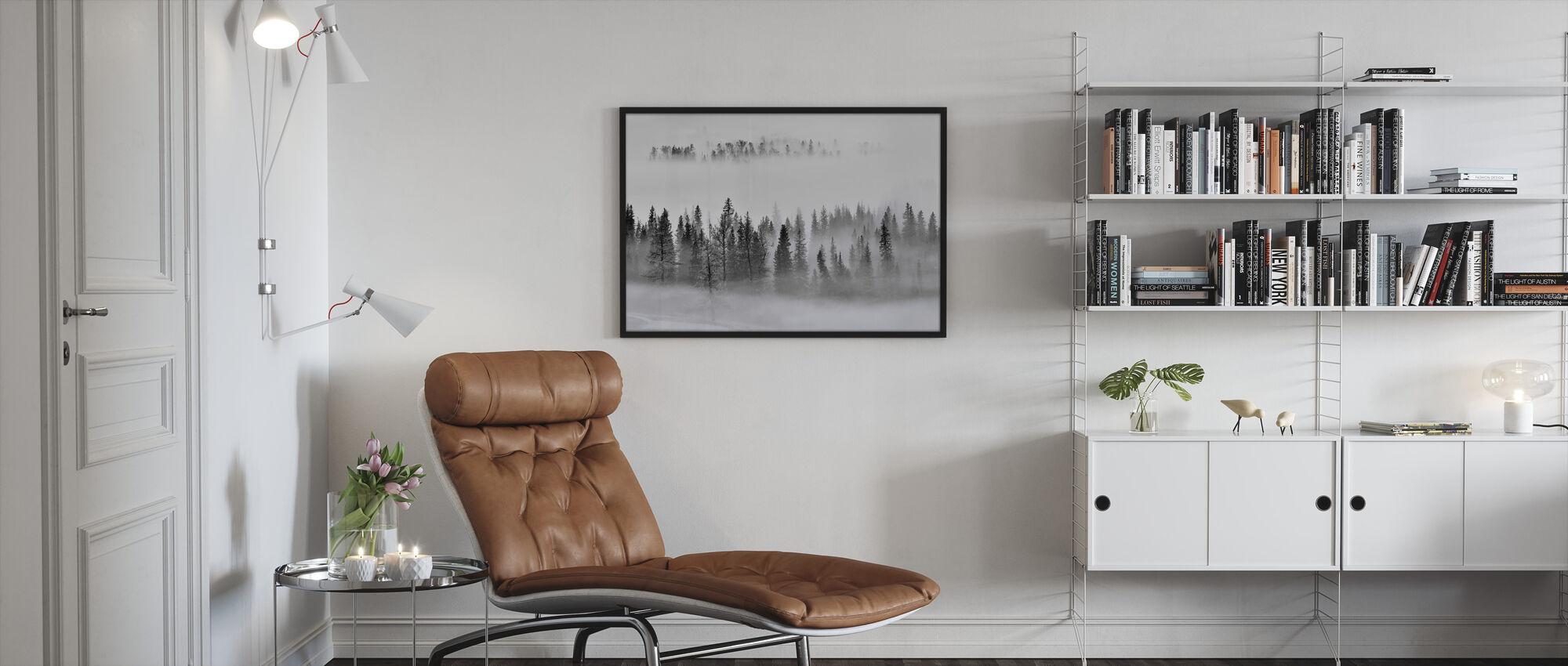 Sumuinen metsä - Kehystetty kuva - Olohuone