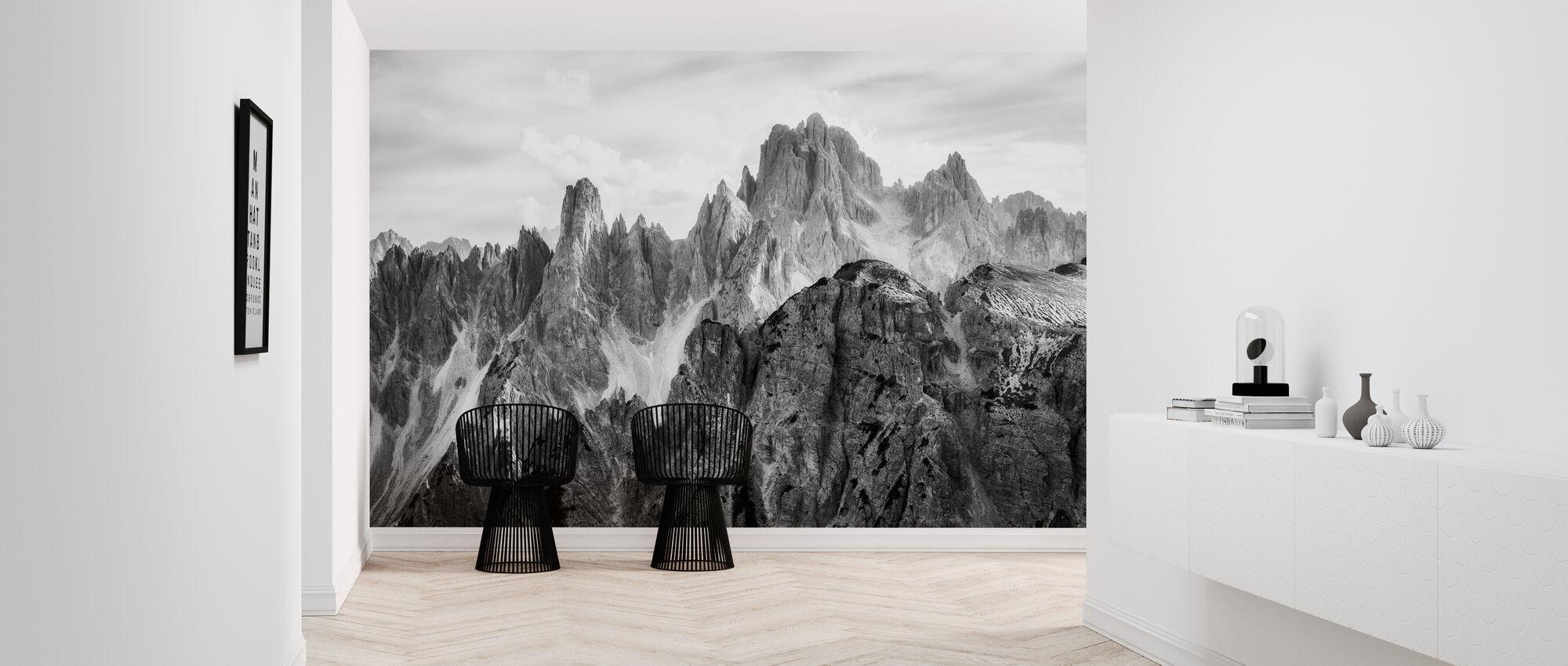 Peaks - Wallpaper - Hallway