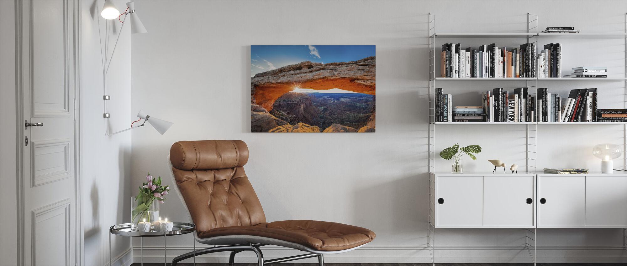 Soloppgang på Mesa Arch - Lerretsbilde - Stue