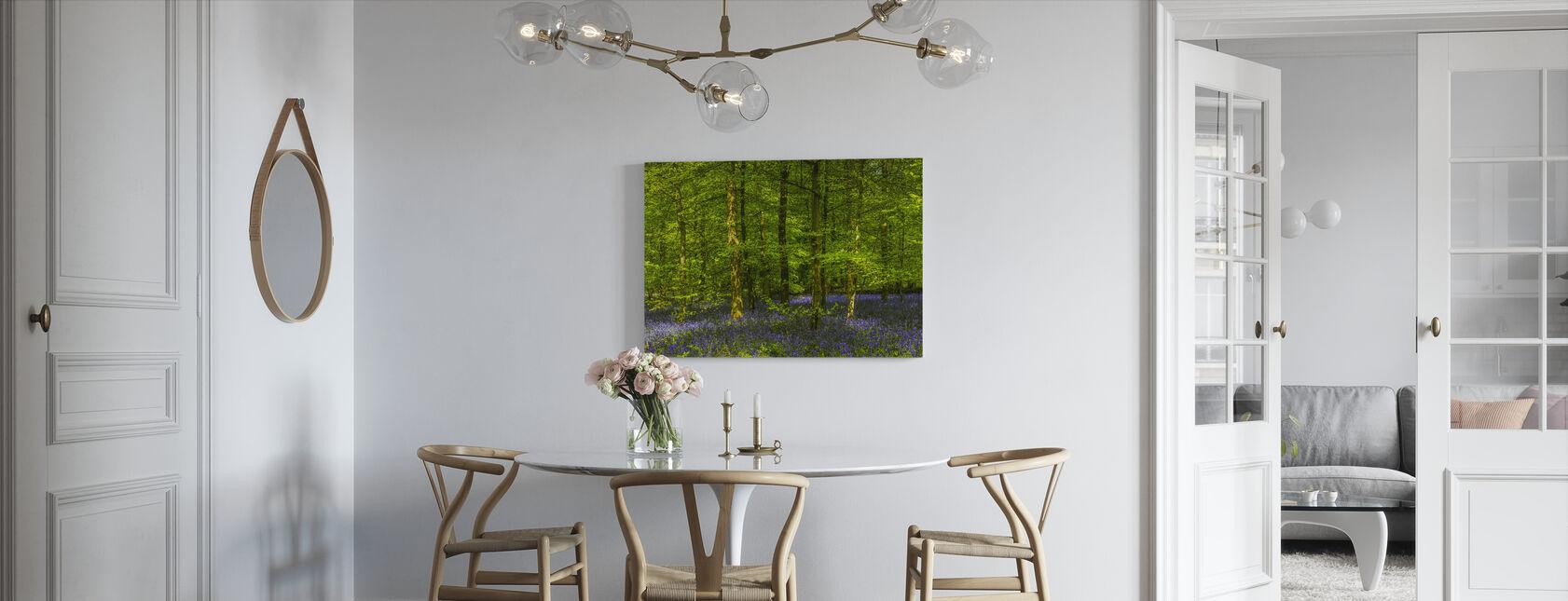 Glade Bluebell Skov - Billede på lærred - Køkken